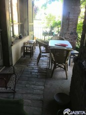 portico su giardino